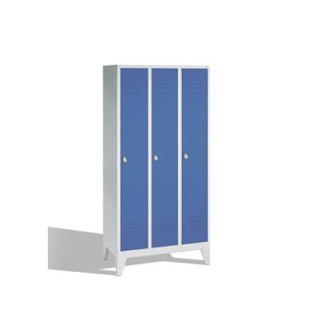 Abbildung zeigt Schrank mit Türen in Lichtblau (RAL 5012)