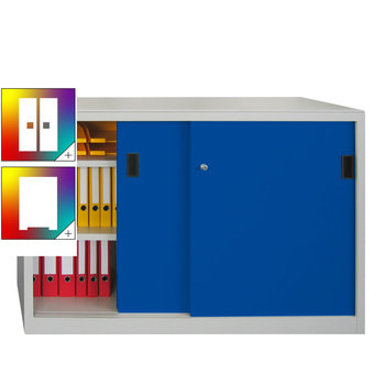 Beispielabbildung: Schiebetürenschrank mit Vollblechtüren, Korpus in Lichtgrau (RAL 7035) und Front in enzianblau (RAL 5010), Fachböden gepulvert, 1,5 m breit