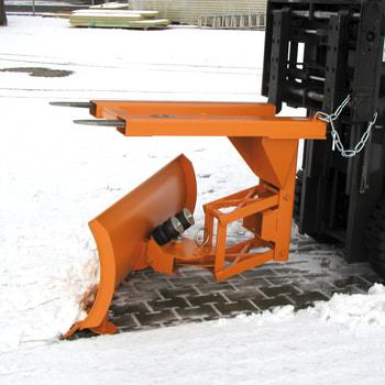 Beispielabbildung: Schneepflug, hier mit Einfahrtaschen oben